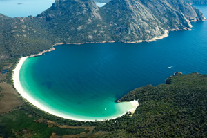 酒杯湾 (Wineglass Bay)